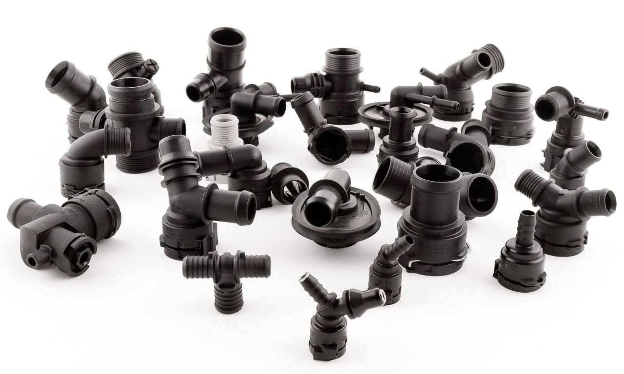 FLUID QUICK CONNECTORS AND FITTINGS
